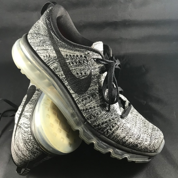 new arrival 785bc a868a Excellent NIKE Flyknit MAX OREO black white 10.5